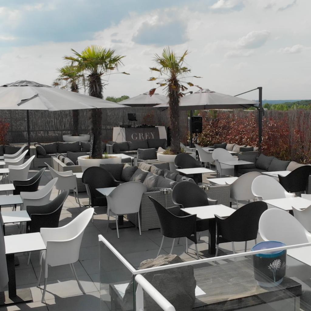 Grey Club Terrasse et Rooftop avec Chicha