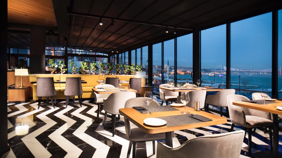 Azure The Bosphorus Hookah Restaurant and Lounge with Terrace in Metropolitan Hotels Istanbul Nargile Shisha Chicha Cachimba Kalyan
