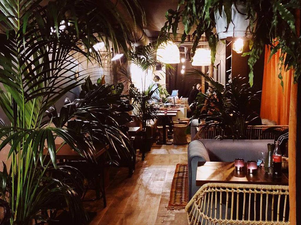 Le Carré Voltaire bar restaurant chicha Paris