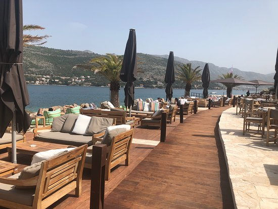 Coral Beach Club Restaurant and Shisha in Dubrovnik Chicha Hookah Kalyan