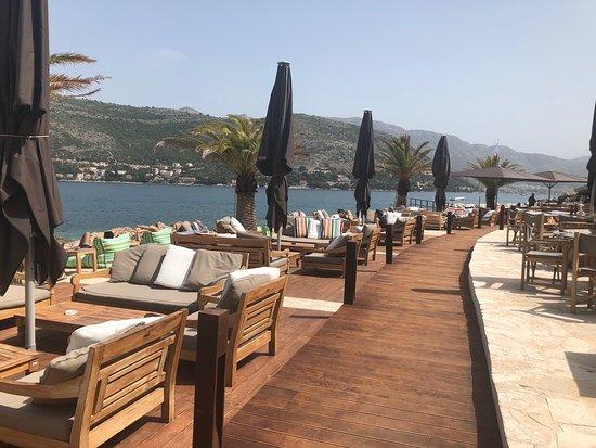 Coral Beach Club Restaurant and Shisha in Dubrovnik Chicha Hookah Kalyan